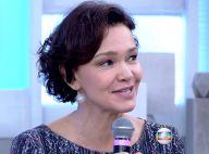 Julia Lemmertz aparece novamente sem aliança de casamento, no 'Encontro'