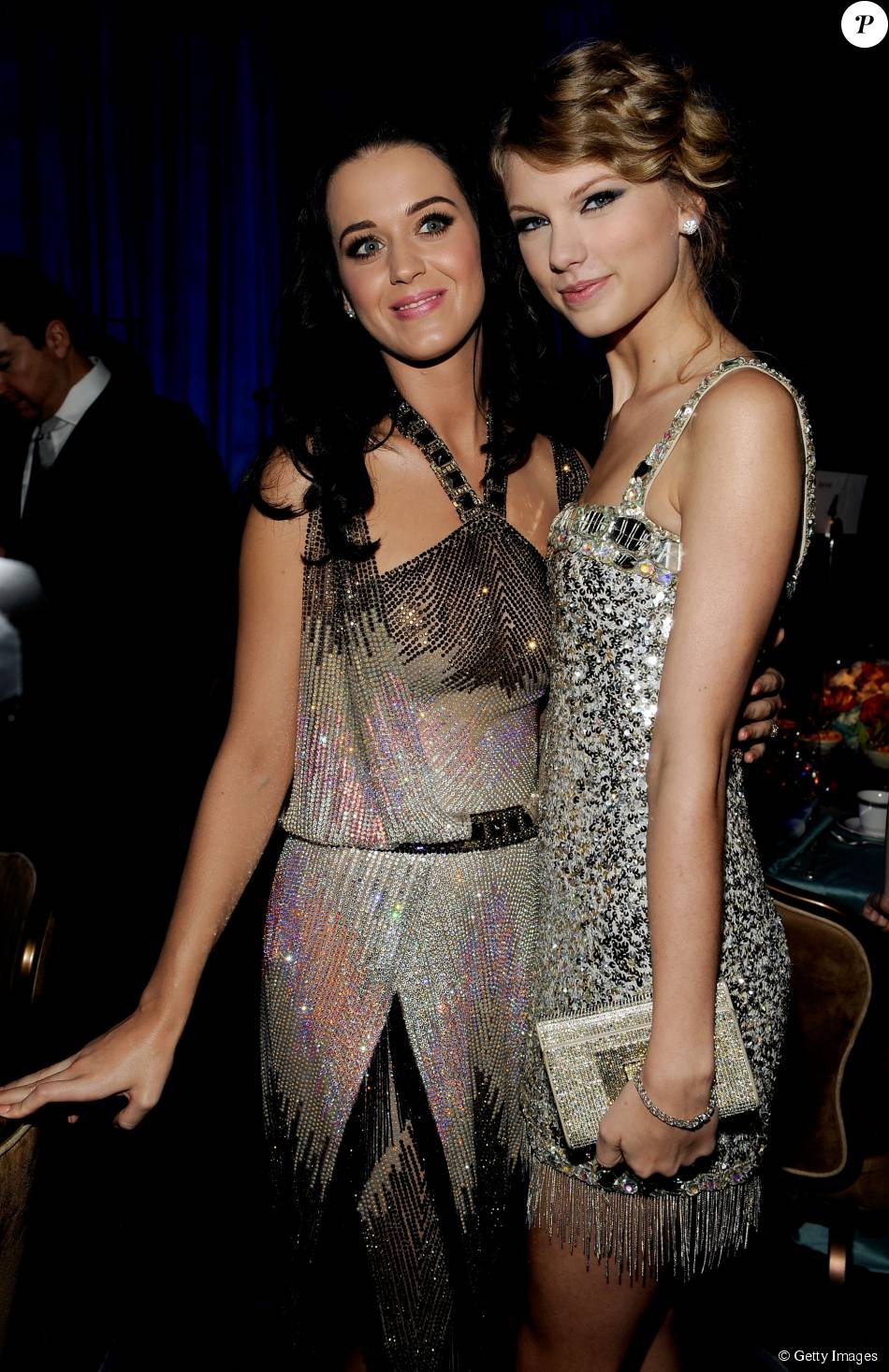 Katy Perry se pronunciou sobre a discussão virtual entre Taylor Swift e Nicki Minaj: 'Acho irônico usar o argumento de 'colocar uma mulher contra a outra' enquanto tem uma que ganha muito dinheiro falando sobre como derrubar uma mulher'