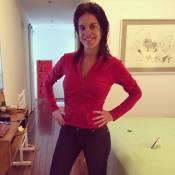 Mariana Gross aparece magrinha em jeans antigo 20 dias após parto: 'Alegria!'