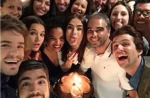 Maria Casadevall ganha festa de aniversário do elenco de 'I Love Paraisópolis'