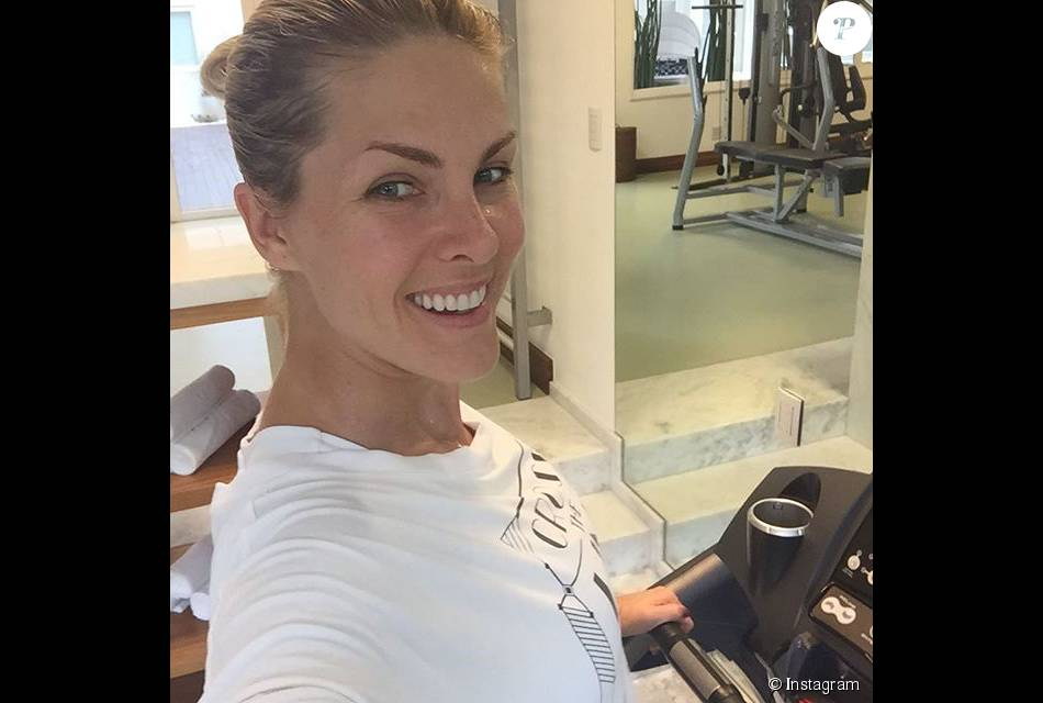 Ana Hickmann postou foto sem maquiagem em academia na manhã deste sábado,  dia 25 de 24f524d601