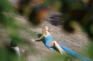 Letícia Spiller faz sessão de fotos de biquíni e maiô após colocar silicone