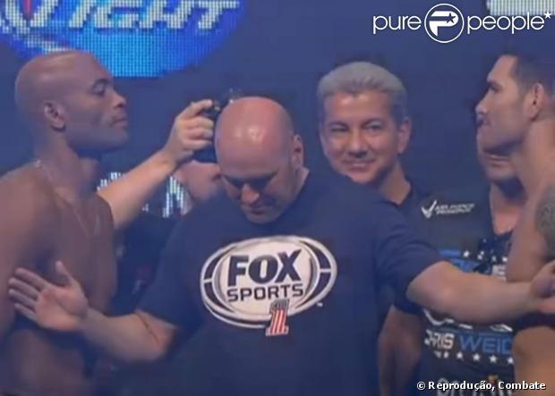 Chris Weidman afirmou em entrevista que acha que Anderson Silva ainda é o melhor lutador de todos
