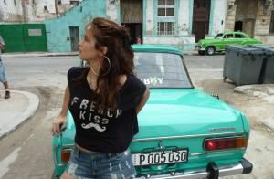 Nanda Costa aparece em primeira foto no bastidor de ensaio da 'Playboy' em Cuba