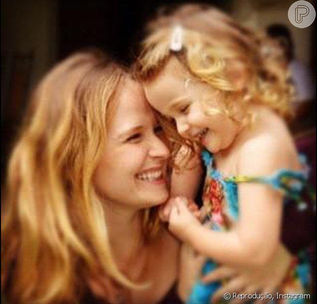 Fernanda Rodrigues posta foto com a filha, Luiza, em 11 de dezembro de 2012