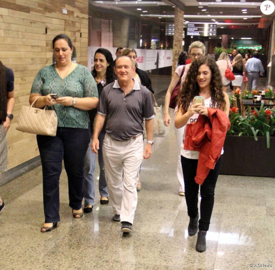 Renato Aragão é casado com Lilian e pai de Lívian, atriz de 'Flor do  Caribe' - Purepeople