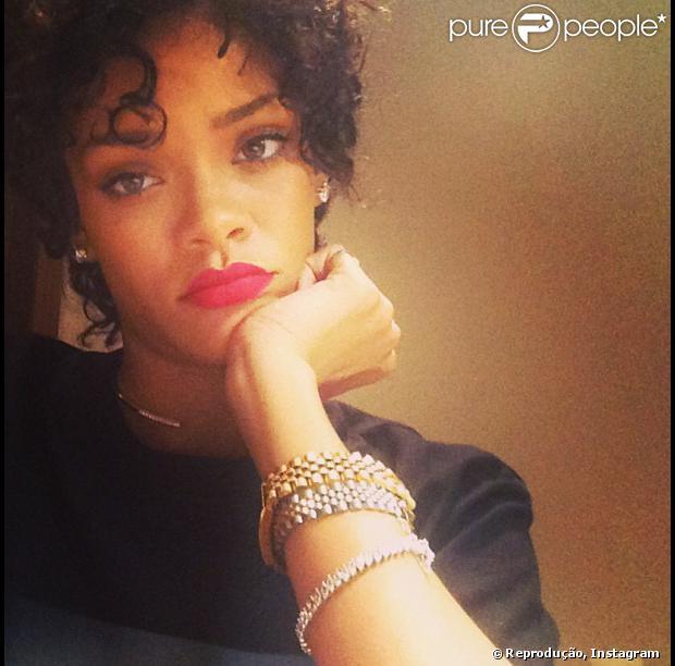 Rihanna exibe novo visual, em 1 de agosto de 2013
