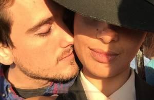 Camila Pitanga aparece de rosto colado com Igor Angelkorte. Fãs vibram: 'Lindos'