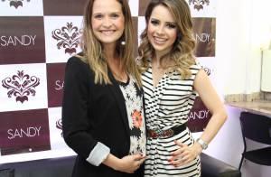 Fernanda Rodrigues exibe barriguinha de cinco meses de gravidez em show de Sandy