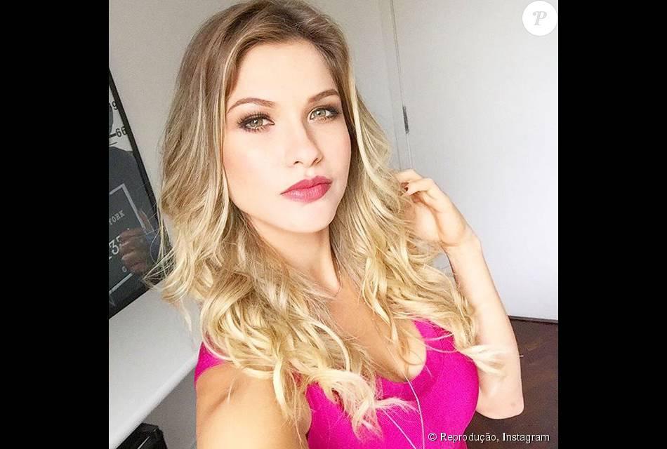 Andressa Suíta conversou com o TV Fama de segunda-feira, 20 de outubro de 2015, sobre fim de sua relação com Gusttavo Lima