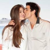 Camila Queiroz ganha beijo de Reynaldo Gianecchini em première de filme em SP