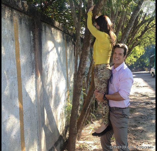 Carlos Machado brinca com Tatá Werneck em gravação de 'Amor à Vida': 'Pegando mulher fruta'
