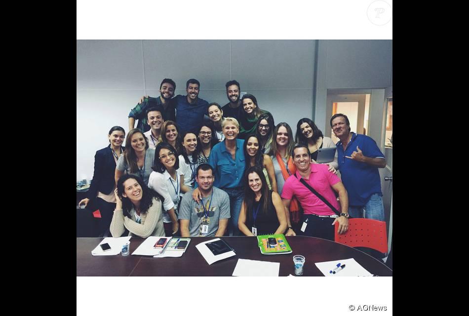 Equipe de Xuxa, que trabalha no RecNov, será demitida e recontratada por produtora