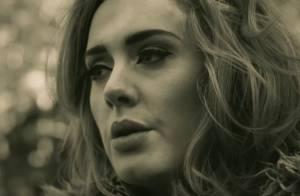 Adele divulga clipe de 'Hello' após 4 anos sem lançar novo álbum. Assista!