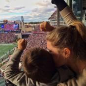 Gisele Bündchen mostra o filho torcendo pelo pai, Tom Brady, em estádio nos EUA