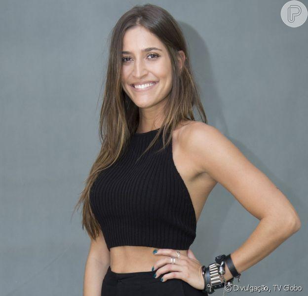 Maria Joana, de 'Além do Tempo', comenta boa forma e admite: 'Viciada em pizza'