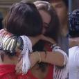 Rayanne foi a primeira a abraçar a peoa, e logo em seguida, os outros participantes a parabenizaram