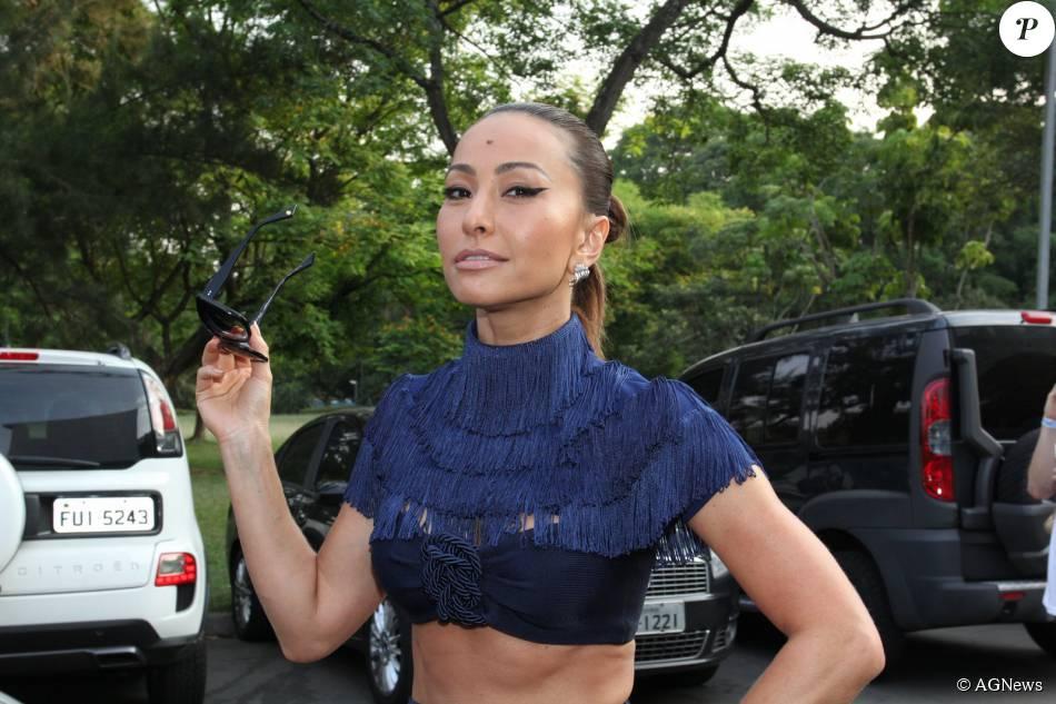 Sabrina Sato garante que está sem beijar na boca desde maio deste ano, quando terminou seu namoro com João Vicente de Castro