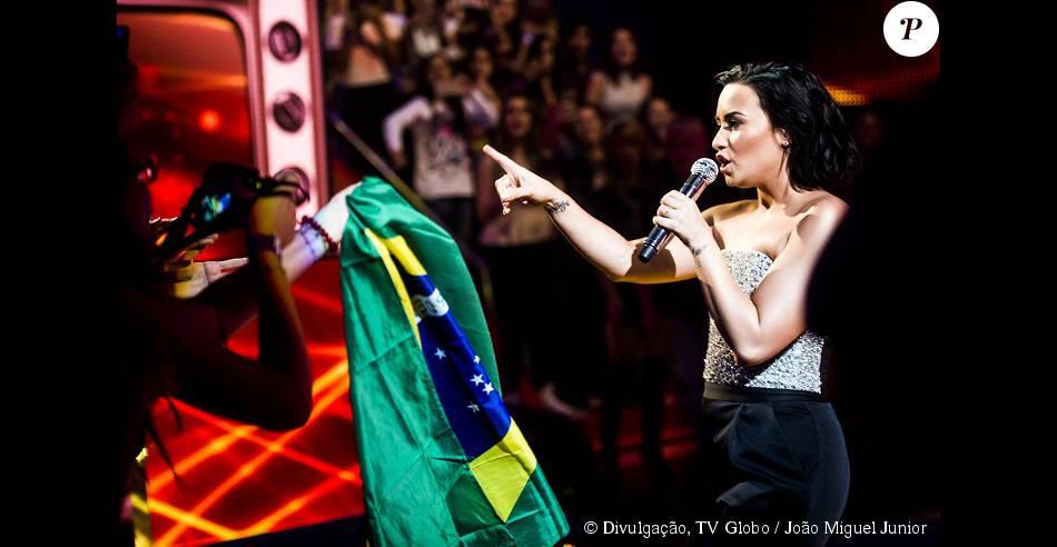 Demi Lovato escolheu o Brasil pata lançar seu novo álbum e participou do 'Caldeirão do Huck'