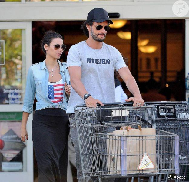 Mel Fronckowiak falou sobre seu namoro com Rodrigo Santoro em entrevista à revista 'Caras', que chega às bancas nesta quarta-feira, 14 de agosto de 2013