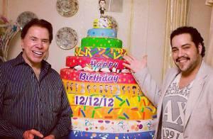 Tiago Abravanel mostra foto do aniversário de Silvio Santos: 'Parabéns, vô!'