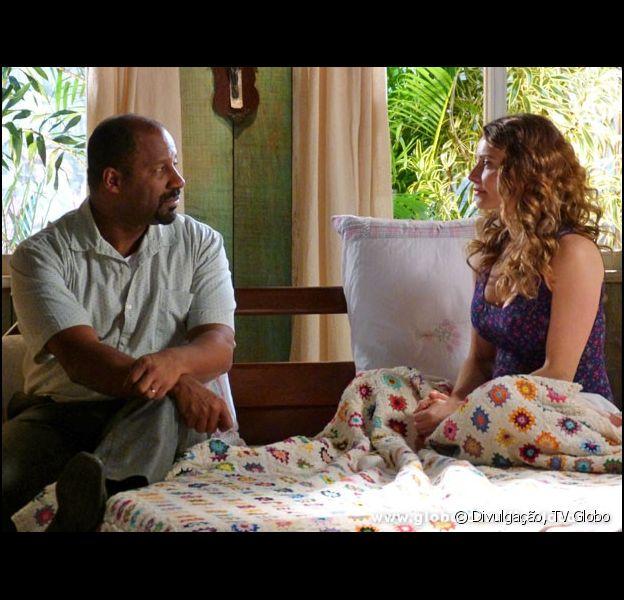 Doralice (Rita Guedes) diz a Quirino (Aílton Graça) que quer se separar e levar Willian (Renzo Aprouch) para Catanduva, em 'Flor do Caribe'