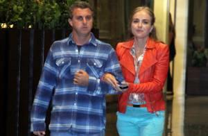 Angélica e Luciano Huck deixam filhos em casa e fazem passeio em shopping do Rio
