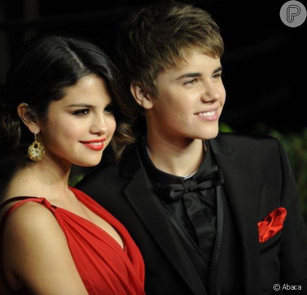 Selena teria terminado com Justin depois de descobrir que ele estaria saindo com seu ex-namorado, o também cantor Nick Jonas, em dezembro de 2012