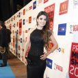 Paula Fernandes vai de vestido longo ao Prêmio Multishow 2013