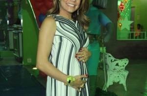 Nivea Stelmann, grávida de 3 meses, exibe barriguinha no aniversário do filho