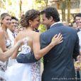 Ester (Grazi Massafera) e Cassiano (Henri Castelli) finalmente se casam no último capítulo de 'Flor do Caribe', em 13 de setembro de 2013