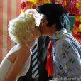 Amaralina (Sthefany Brito) e Rodrigo (Thiago Martins) se casam em Las Vegas, no último capítulo de 'Flor do Caribe'