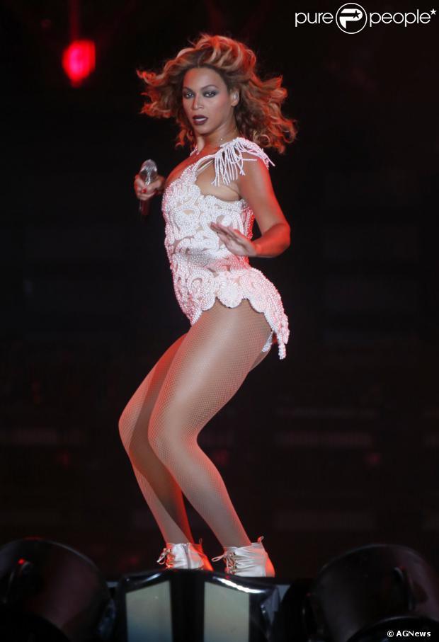 Beyoncé dançou o hit 'Ah lelek' durante apresentação do Rock in Rio, na noite desta sexta-feira, 13 de setembro de 2013