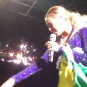 Fã que derrubou Beyoncé no palco pagou R$ 3 mil por show: 'Só abracei, ela caiu'