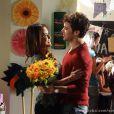 Malu (Fernanda Vasconcellos) reluta em assumir um compromisso com Maurício (Jayme Matarazzo), em 'Sangue Bom'