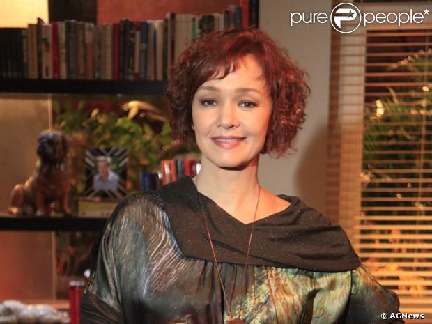 Julia Lemmertz comentou sobre o casamento de 20 anos com o ator Alexandre Borges. Ela disse que é muito mais do que duas pessoas juntas e sim o cultivo de um relação