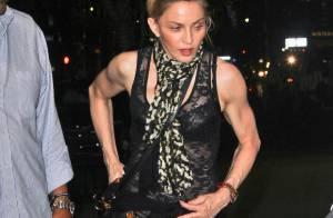 Madonna briga com internauta que criticou sua postura como mãe:'Caia fora daqui'