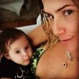 Deborah Secco é só amor com a filhota, Maria Flor