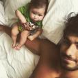 Deborah Secco e Hugo Moura se declaram para a filha, Maria Flor, de 2 meses, nas redes sociais