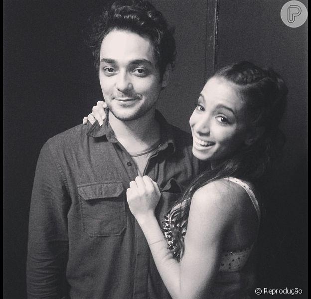 Anitta e Eduardo Sterblitch teriam terminado a relação, segundo coluna carioca, em 20 de setembro de 2013
