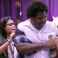 'BBB16': Ronan pede desculpas depois de beijar Munik