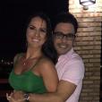 Zezé Di Camargo passou o Réveillon com a namorada, Graciele Lacerda
