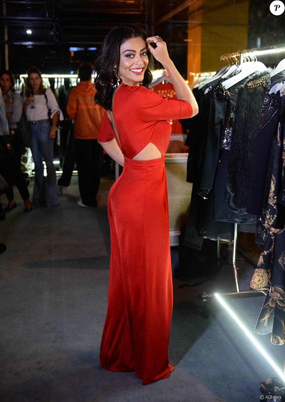 Juliana Paes marcou presença em um evento de moda em São Paulo na noite desta terça-feira, 1 de março de 2016