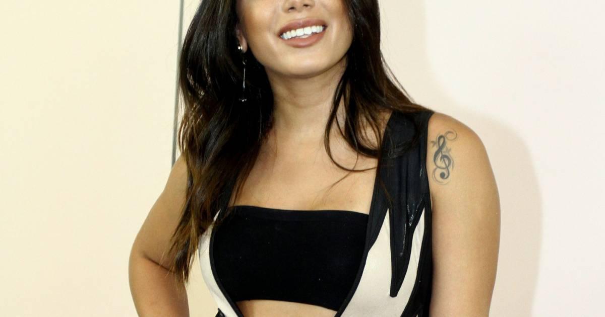 Veja 50 fotos de Anitta antes da fama  cantora operou o nariz e colocou  silicone - Purepeople 36d3c8789d