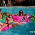 Anitta posa na piscina há 4 anos