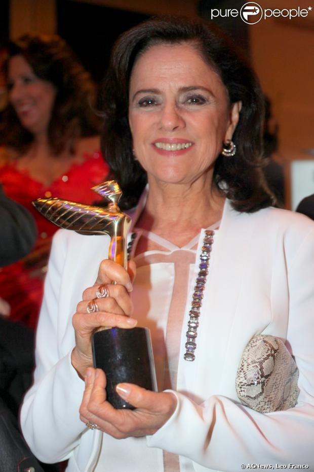 Marieta Severo foi homenageada na 18ª edição do Prêmio Claudia, em 7 de outubro de 2013