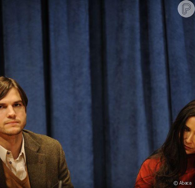 Segundo o site americano 'TMZ', Demi Moore pede quantia alta para o ex Ashton Kutcher, em 23 de dezembro de 2012