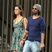 Grávida, Alinne Moraes exibe barriguinha saliente durante passeio com o namorado