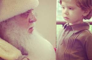 Adriane Galisteu mostra o filho, Vittorio, ao lado do Papai Noel