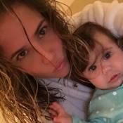 Deborah Secco posa com a filha, Maria Flor: 'Cabelos na cara, igual a mamãe'